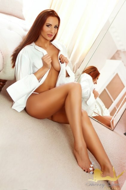 escorts aylesbury