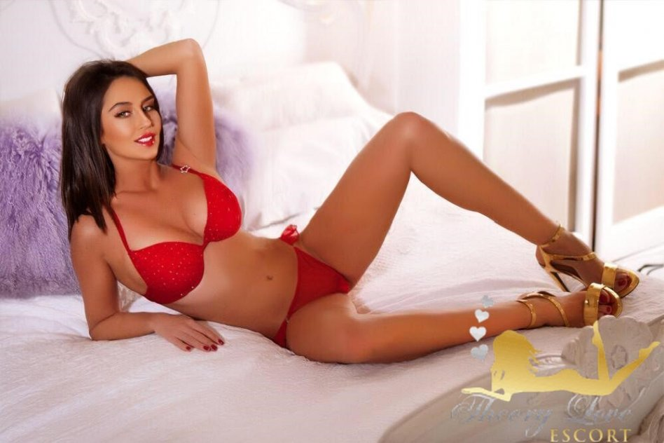 shemale escorts west london