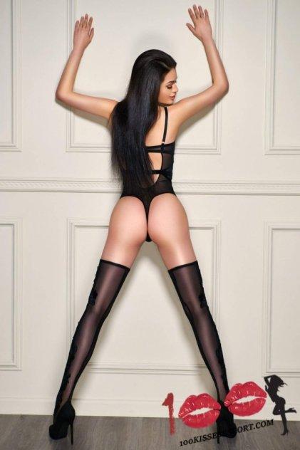 LORIA LONDON - 100Kisses picture